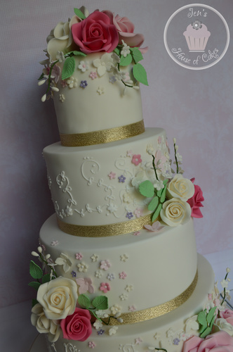 Specialising In Exclusively Designed Wedding Cakes Pretty Sugar Flower Cake